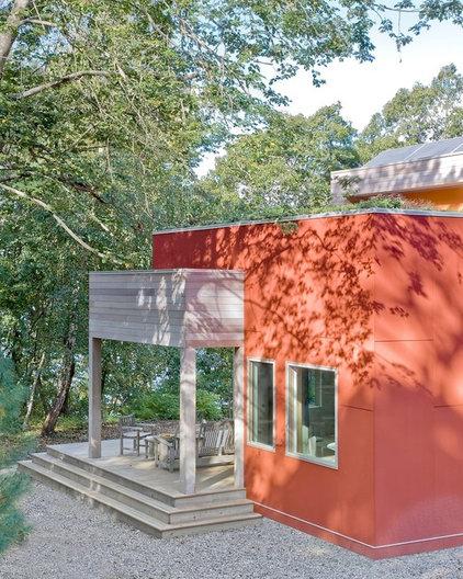 Modern Exterior by ZeroEnergy Design