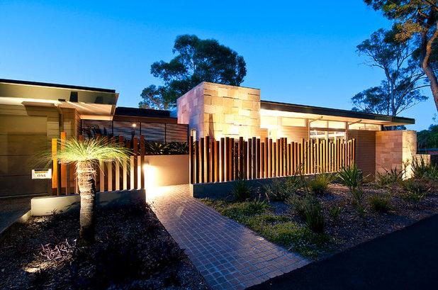 Современный Фасад дома by Gartner Trovato Architects