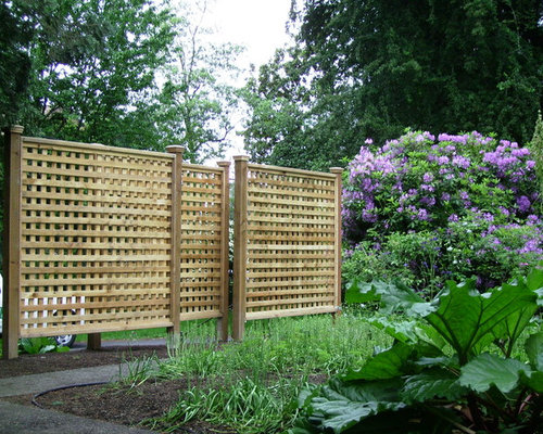 Lattice privacy fence home design ideas pictures remodel for Wooden garden screen designs