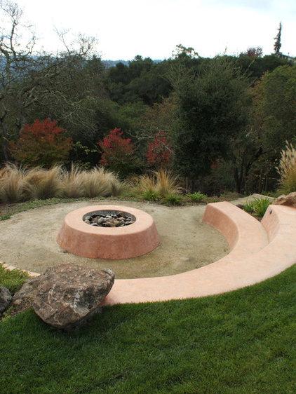 Southwestern Patio by Kikuchi + Kankel Design Group