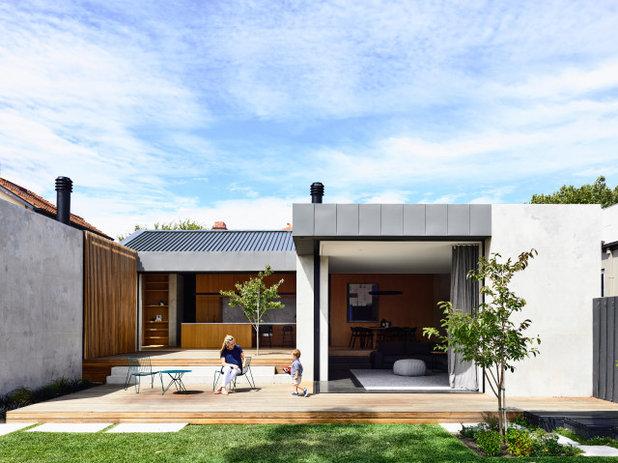 Modern Exterior by INLITE