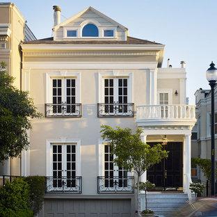 Inspiration för ett stort vintage hus, med tre eller fler plan
