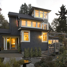 Beach Style Exterior by Logan's Hammer Building & Renovation