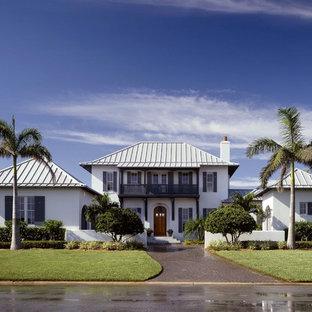 Ispirazione per la facciata di una casa tropicale