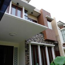 Tropical Exterior by Biraprana Ciptaguna