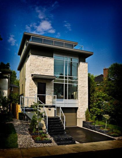 Modern Exterior by Art House Developments
