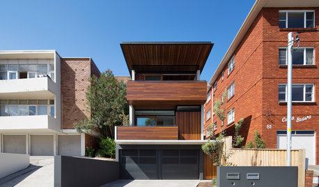 Houzz Tour: Finding Middle Ground Between Mid-Century Neighbours