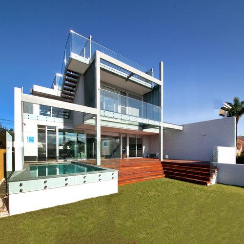 Split Roof Design: Split-level Exterior Design Ideas, Renovations & Photos