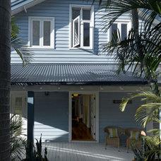Beach Style Exterior by Annabelle Chapman Architect Pty Ltd