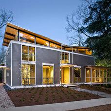 Contemporary Exterior by Pinnacle Custom Builders, Inc.