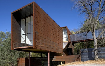 Houzz Tour: Laboratory House Bridges Old, New