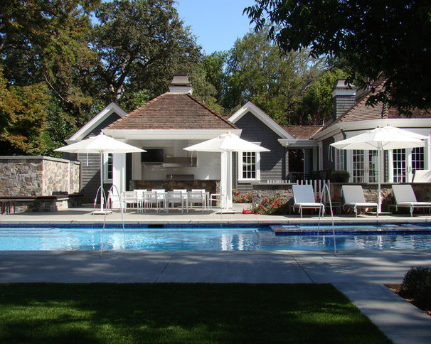 Traditional Exterior by Randy Thueme Design Inc. - Landscape Architecture