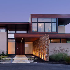 Contemporary Exterior by Swatt | Miers Architects