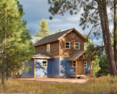 Rustic exterior design ideas remodels photos with mixed for Rustic siding ideas