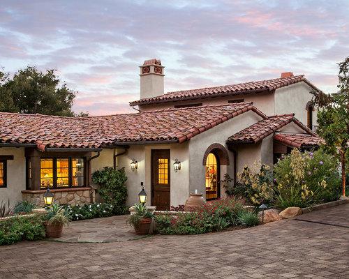 attic paint color ideas - Satteldach Mediterrane Häuser und Fassaden Ideen für