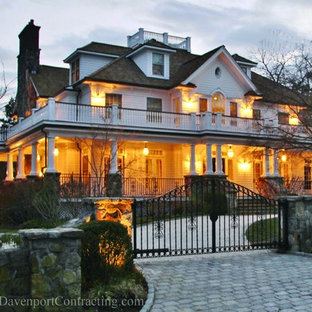 Renovated Old Greenwich Shore Colonial (6,355 square ft) in Private Association