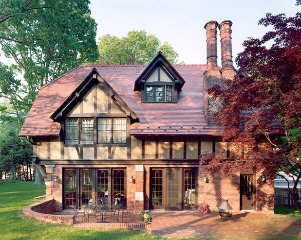 American architecture the elements of tudor style for Traditional english home