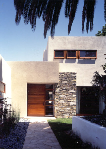 Modern Exterior by Island Architects