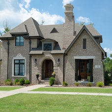Traditional Exterior by Matheny Goldmon Architects