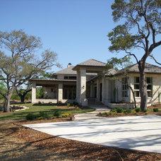 Modern Exterior by BLT architect