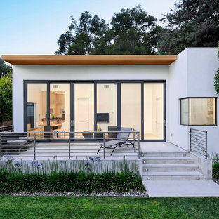 Photo of a small modern one-storey exterior in San Francisco.