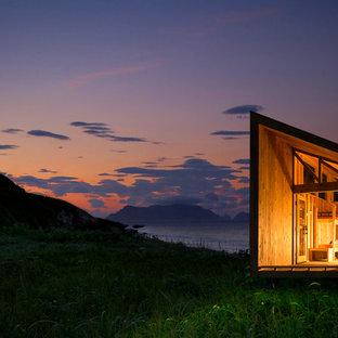 Diseño de fachada rural, pequeña, de una planta, con tejado de un solo tendido