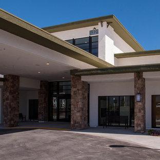 Modern exterior home idea in Las Vegas
