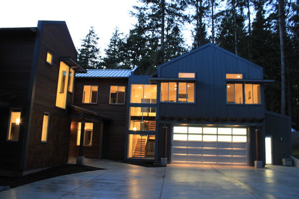 Contemporary Exterior by RGN Construction