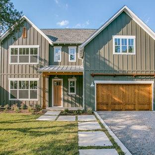 Inspiration för stora lantliga gröna hus, med två våningar, fiberplattor i betong och tak i mixade material