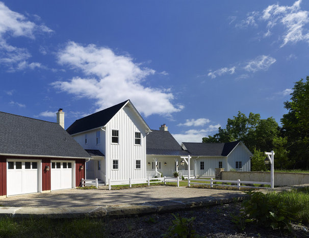 Farmhouse Exterior by Barnes Vanze Architects, Inc