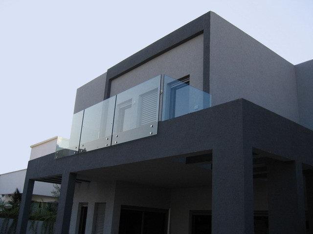 Modern Exterior by Rina Magen