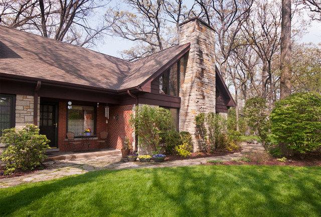 Traditional Exterior by Joseph I. Mycyk Architects, Inc.