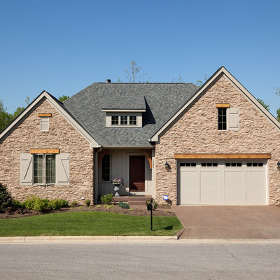 Traditional wood exterior home idea in Columbus