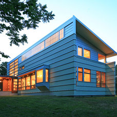 Contemporary Exterior by deMx architecture