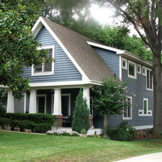 Craftsman Exterior by Roost USA Inc.
