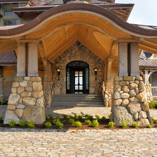 Beach Style Exterior by Meyer & Meyer, Inc.