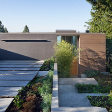 Modern Exterior by splyce design