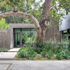 Contemporary Exterior by Chu+Gooding Architects