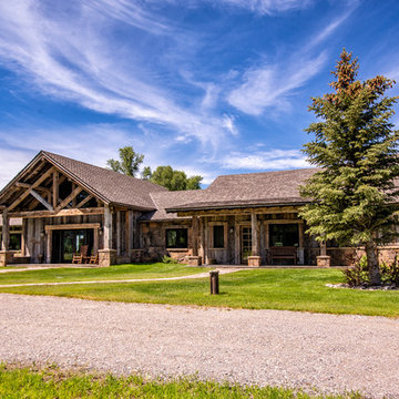 Rustic vacation home close to the teton national park