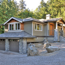 Traditional Exterior by Step One Design
