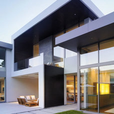 Modern Exterior by Real Estate Sales Representative- Royal Lepage