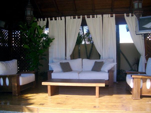 Tropical Exterior by Berezowski & Asociados