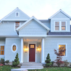 Traditional Exterior by CD Construction, Inc.