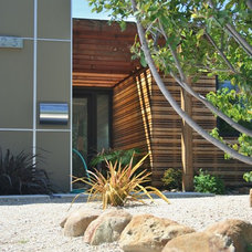 Contemporary Exterior by Danciart Architecture