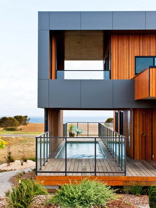 Großes, Zweistöckiges Maritimes Haus Mit Holzfassade In Melbourne