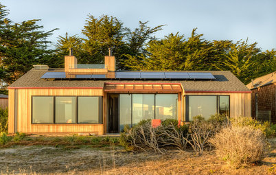 Houzz Tour: Sea Ranch Gets a New LEED Platinum Neighbor