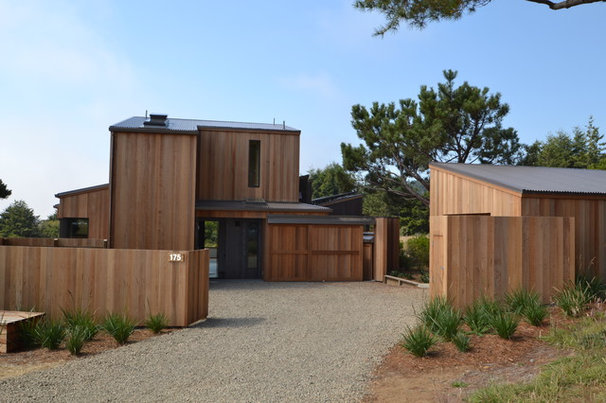 Contemporary Exterior by Studio Bergtraun AIA