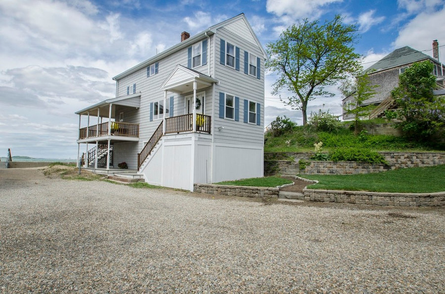 Sea Side Vacant with views of the Boston Skyline!