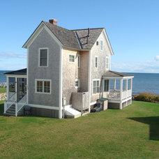Beach Style Exterior by Shoreline Builders, Ltd.