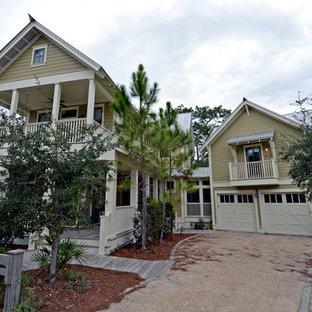 Inspiration for a timeless exterior home remodel in Orlando